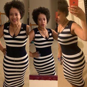 NY&CO GABBY ribbed dress - M